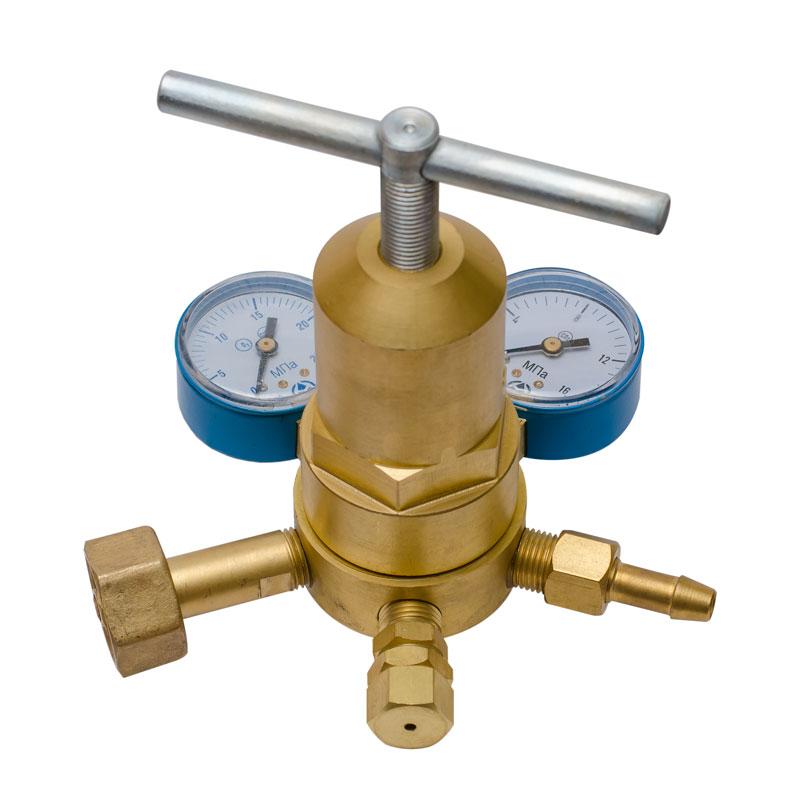 http://balon.kiev.ua/shop/gazovoe-oborudovanie/gazovyie-reduktoryi-regulyatoryi-rashoda-gaza/rk-70-rv-90-reduktor-kislorodnyiy-vyisokogo-davleniya/